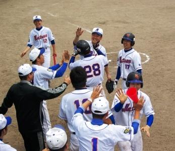 対雲南市職戦でスクイズを決めた飯島選手(28)